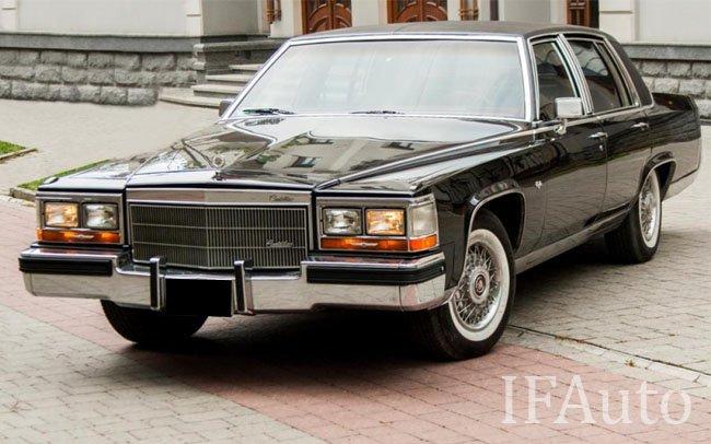 Аренда Cadillac Brougham D'Elegance на свадьбу Івано-Франківськ